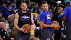 Stephen Curry threw a crazy no-look pass, so Seth Curry threw an even crazier one