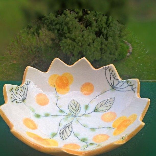 Small ceramic bowl hand painted.. handmade#ceramic #spring #easter#egg#bowl #easteregg#