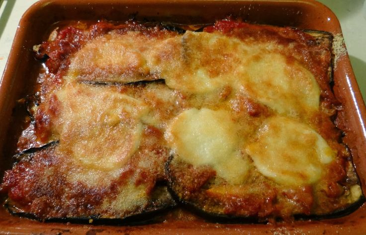 Parmigiana di melanzane light: http://alincucina.blogspot.it/2014/01/tipico-della-tradzione-ma-versione-light.html