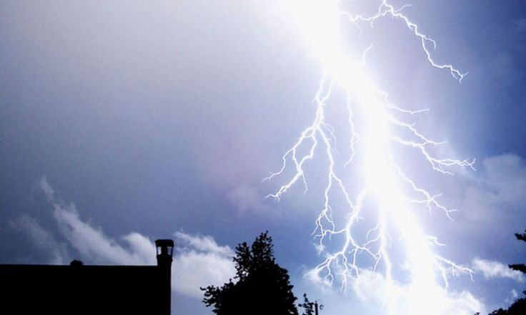 Orages: 10 départements en vigilance orange >> http://www.bfmtv.com/planete/orages-dans-le-sud-ouest-sept-departements-en-vigilance-orange-883365.html