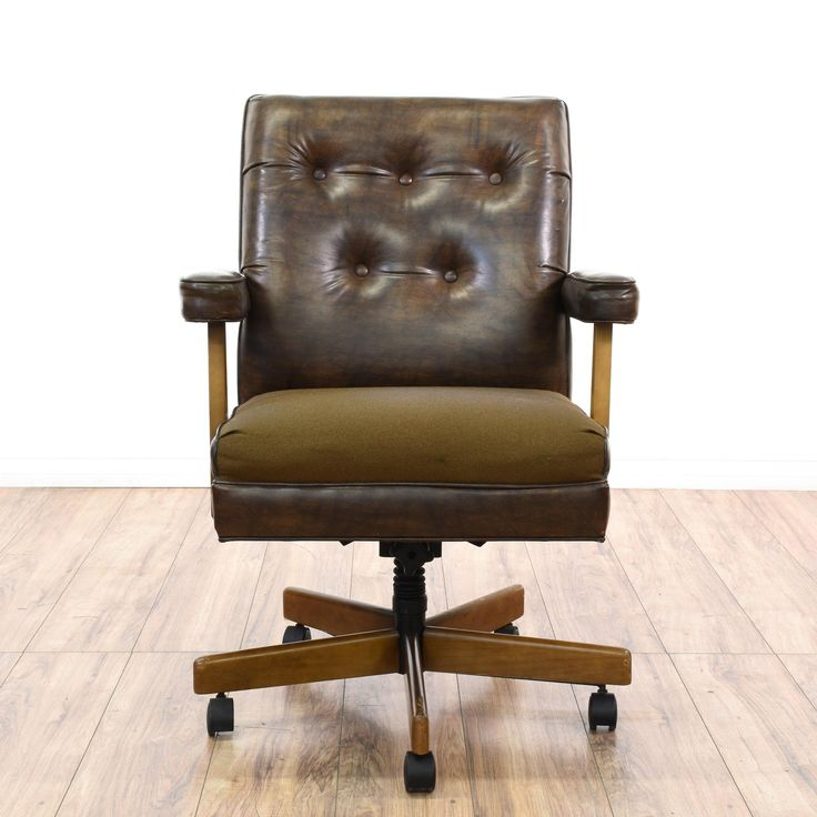 This traditional office chair is upholstered in a durable faux leather vinyl with a shiny brown finish. This desk chair has a tufted cushion back, straight arms and a rolling swivel wood base. Perfect for a home office workstation!  #americantraditional #chairs #swivelorofficechair #sandiegovintage #vintagefurniture