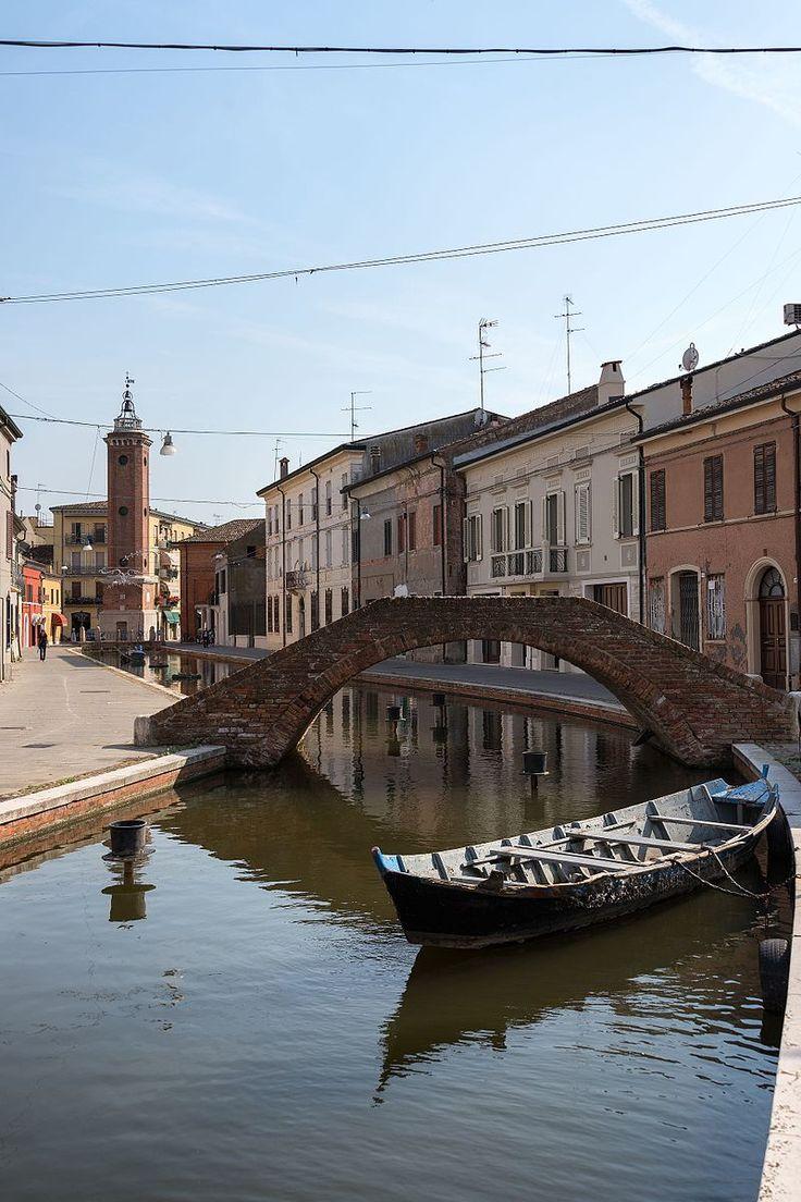 Batana - Via Cavour, Comacchio, Ferrara, Italy - June 10, 2017.jpg
