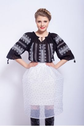 Ie traditionala romaneasca cu maneca scurta RL0106 Traditional Romanian blouse http://www.pinterest.com/demiancamelia/ia-romaneasca/ http://www.pinterest.com/irinapupaza/ia/