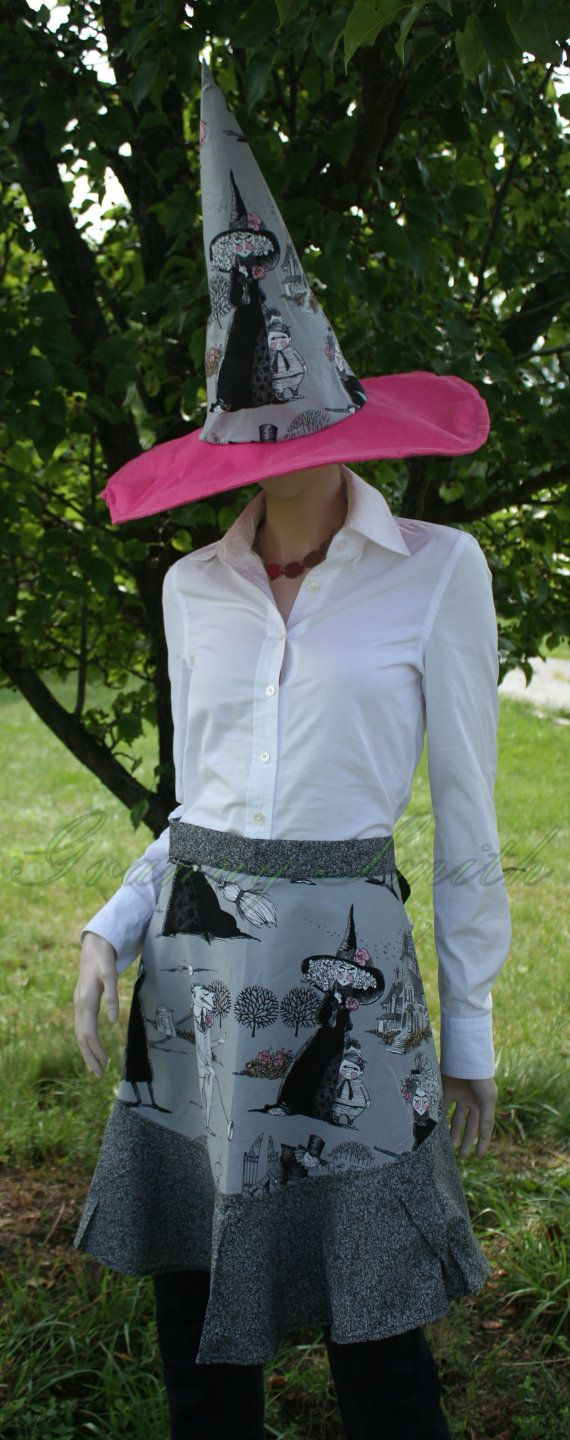 White waist apron ruffle