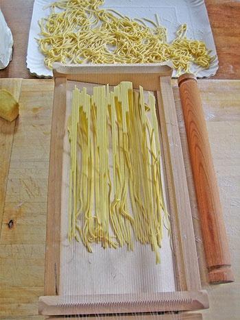Spaghetti alla chitarra.  #Abruzzo #cooking #pasta