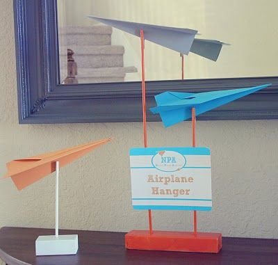 paper airplane display stand
