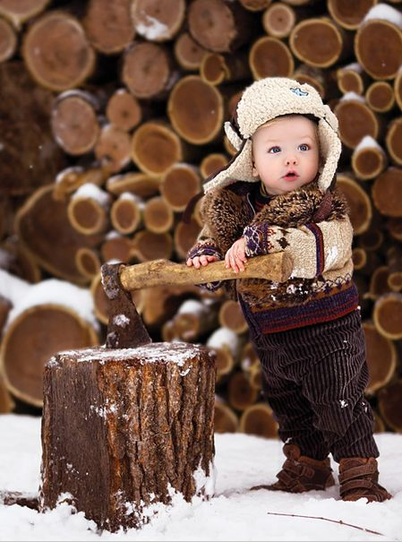 Little woodsman in the snow. ~ How adorable!