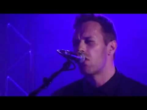 VIOLET HILL (very funny) CHRIS MARTIN & JONNY BUCKLAND live - YouTube