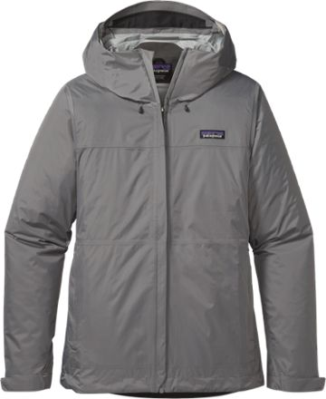 Come snow, freezing rain or tropical storms, the Patagonia Torrentshell rain jacket keeps you dry in wet conditions with its lightweight, durable and versatile H2No waterproof protection.