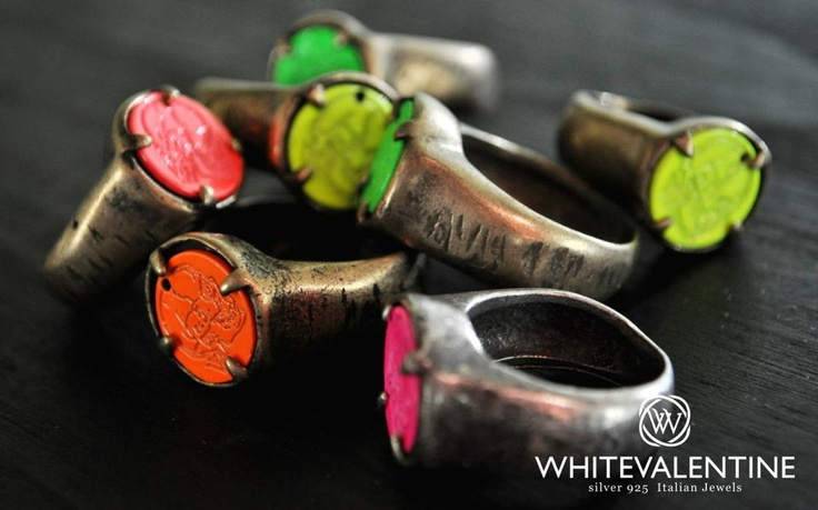 fluo ring - limited edition - whitevalentine.it