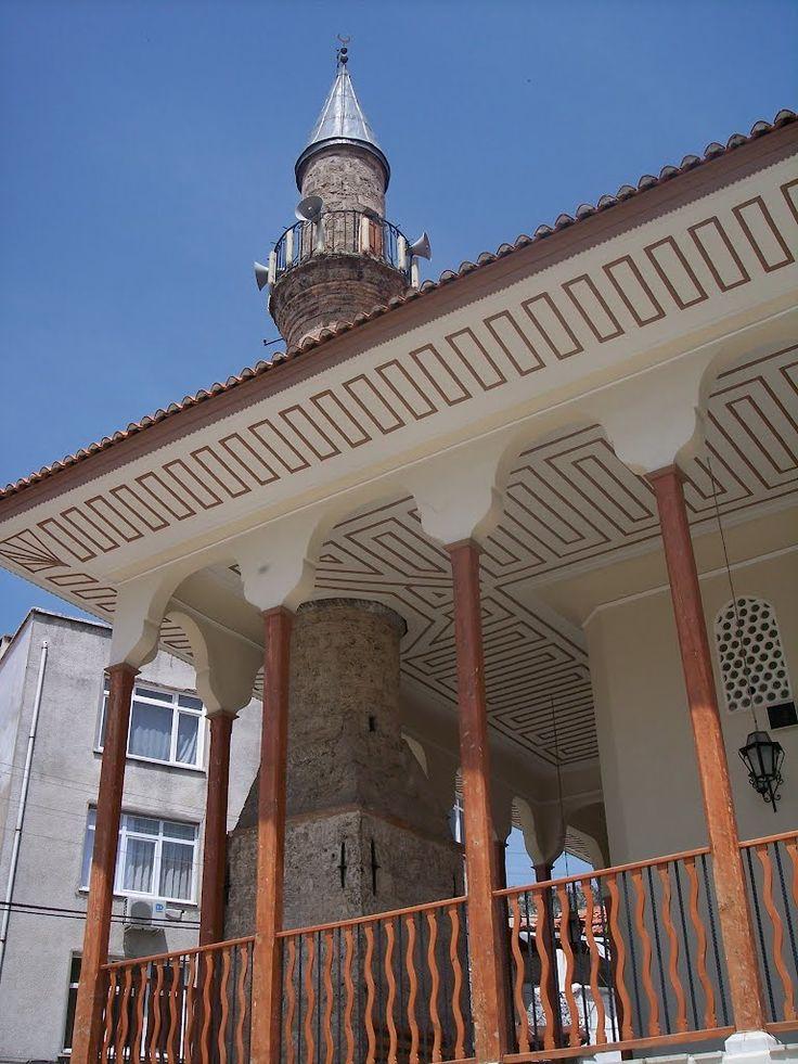 Ulu cami/Muğla/// Muğla'da 14. yüzyıl Anadolu Selçuklu dönemine ait tarihi yapı. Muğla şehrindeki en eski camidir. Ayrıca Türkiye'deki önemli Selçuklu eserlerinden biridir. Şehrin Tabakhane semtinde bulunan cami, 1344 yılında Menteşe Beyi İbrahim Bey tarafından yaptırılmıştır.