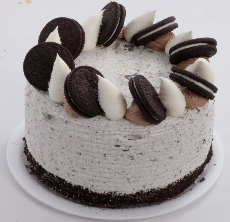 Cookies and cream layer cake from apple annies bake shop
