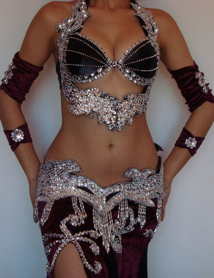 Luxurious bellydance costume by Atelier Ju Marconato - Brazil
