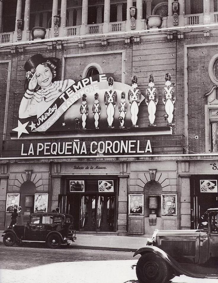 Madrid - Cine Palacio de la Musica, donde se proyecta La Pequeña Voronela protagonizada por Shirley Temple, 1925