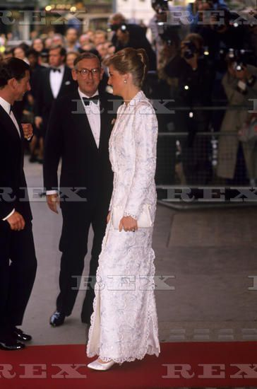 JUNE 7, 1989: PRINCE CHARLES AND PRINCESS DIANA ATTEND THE ROYAL GALA PERFORMANCE OF IL TROVATORE AT THE ROYAL OPERA HOUSE, COVENT GARDEN, LONDON.