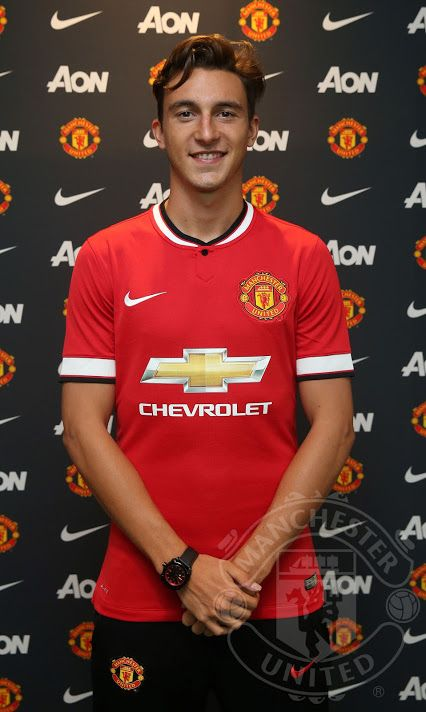 Más refuerzos MUFC para la temporada 2015–2016: Matteo Darmian has completed his transfer from Torino on a four-year contract with an option for a further year.