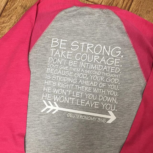 We can't forget the back of the BRAVE baseball tee  #brave #bravery #etsy #etsyshop #livebeyoutiful #livebeyoutifultoday