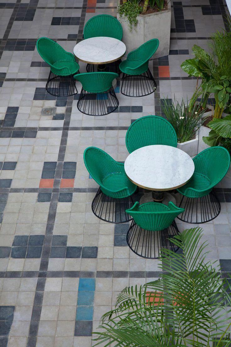 Casa Fayette - AD España, © Undine Pröhl Otra imagen del patio que une la parte nueva con el edificio histórico.