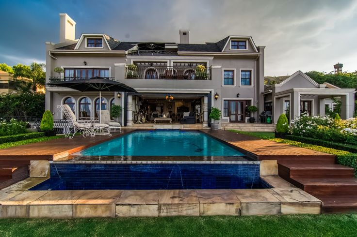 Ultimate luxury home...  (http://www.rawson.co.za/property/4-bedroom-house-for-sale-in-northcliff-id-700961)
