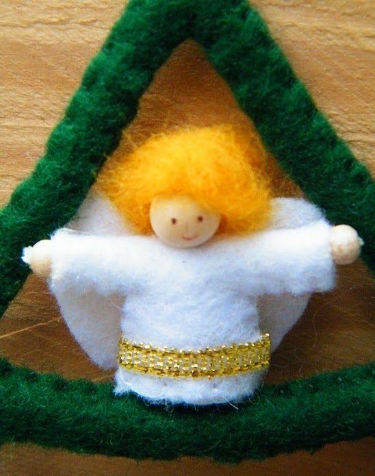 Vandaag komen de nieuwe ontwerpen van Atelier Nanaya uit. En laat ik maar meteen beginnen met mijn favoriet: de KerstStalBoom!      Deze iet...