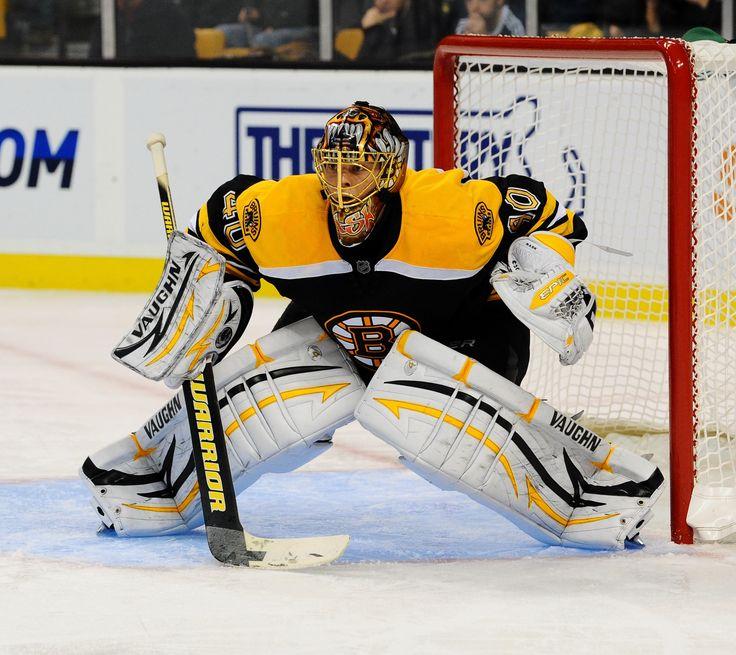 Tuukka Rask getting in position to stop the puck #tuukka #rask #boston #stance #goalie #nhl