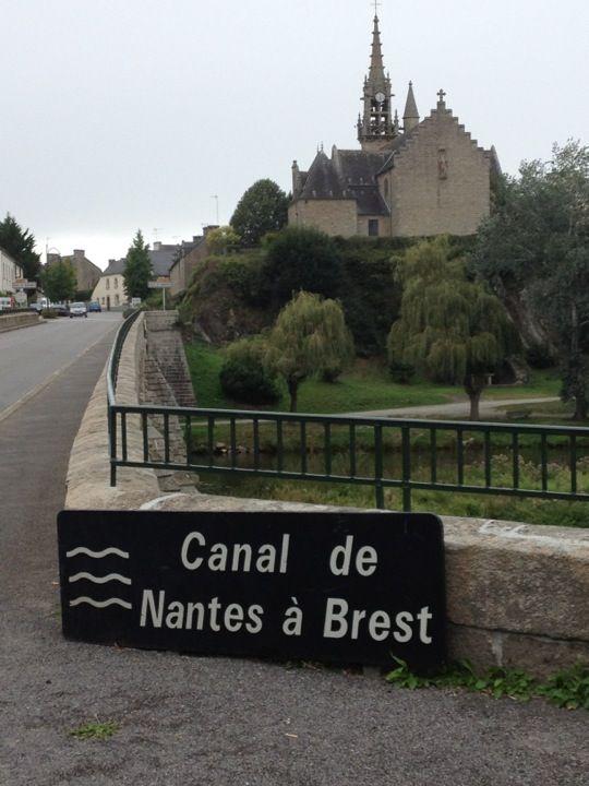 We love riding our bikes along the beautiful Canal de Nantes à Brest.