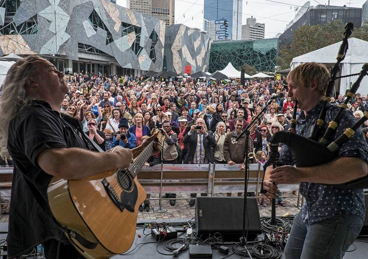 Playing at Fed Square and all those people came to see us ! What an honour, how lucky are we :)