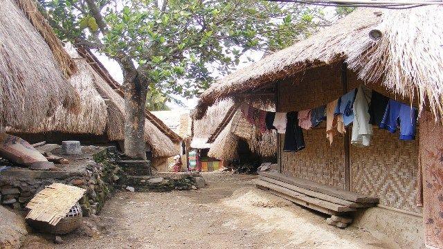 Sade Traditional Sasak Village   Famous Lombok Tourism