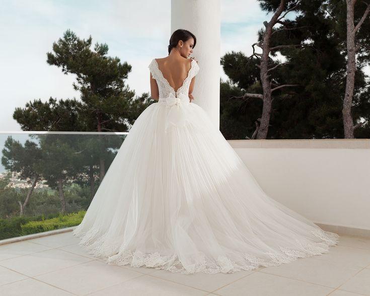 Dantel Askılı, Taş işlemeli Prenses, kabarık gelinlik modelleri 2016-nova bella gelinlik nişantaşı