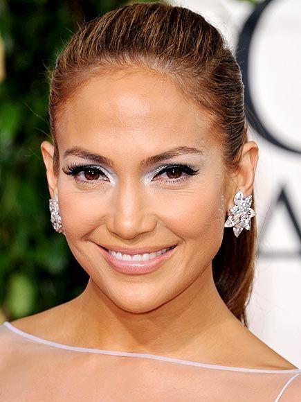 Jennifer Lopez silver eye makeup