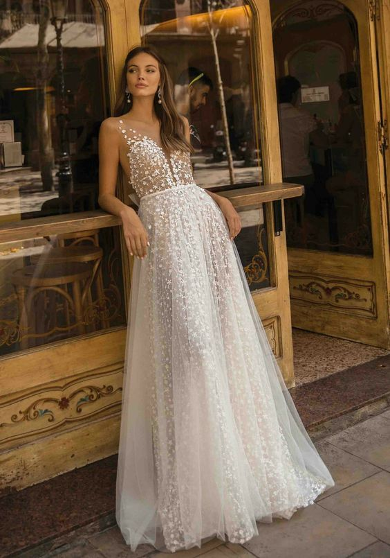Sexy V-Neck Wedding dress Lace A-Line Backless Floor Length Bridal Gown C272