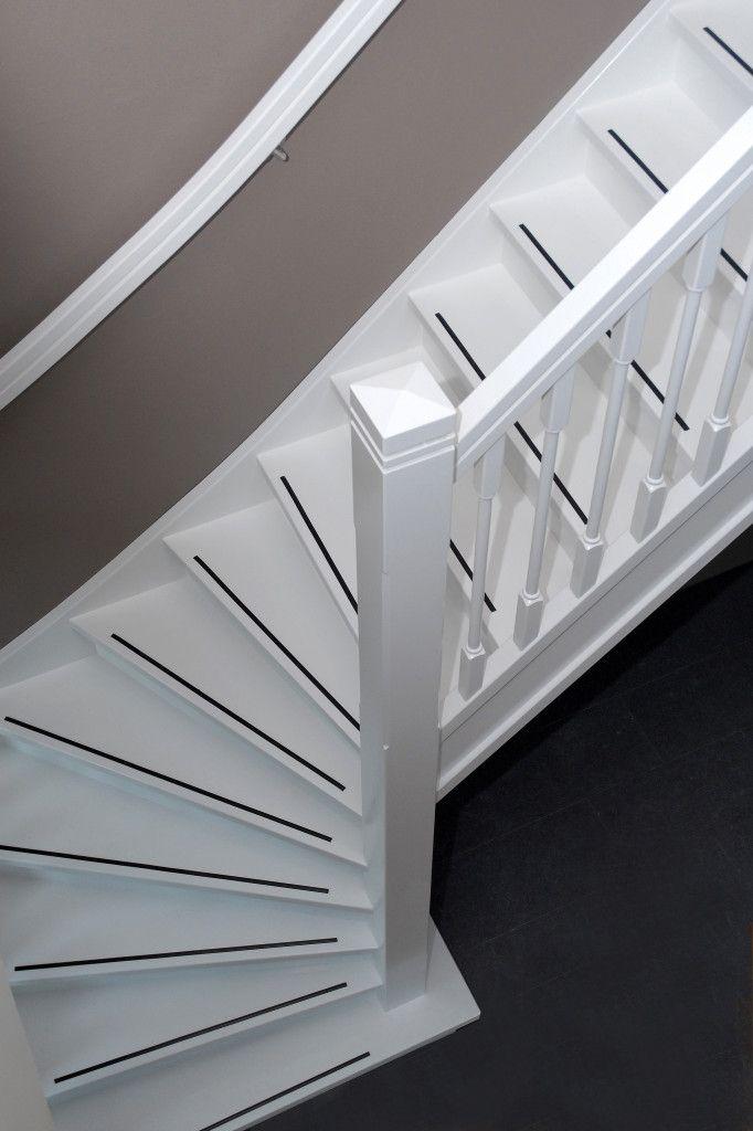 25 beste idee n over trappen schilderen op pinterest verf trap geschilderde trap en - Aanpassen van een houten trap ...