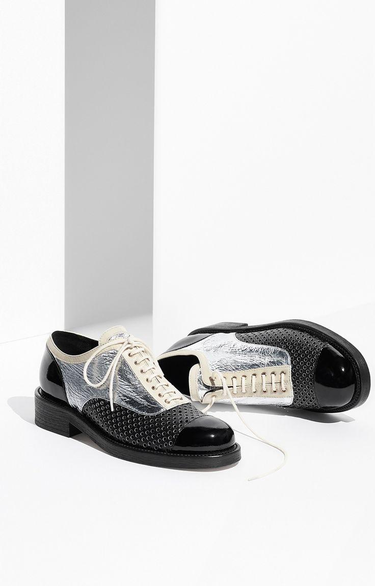 Аксессуары дня: круизная коллекция обуви Chanel 2016/2017