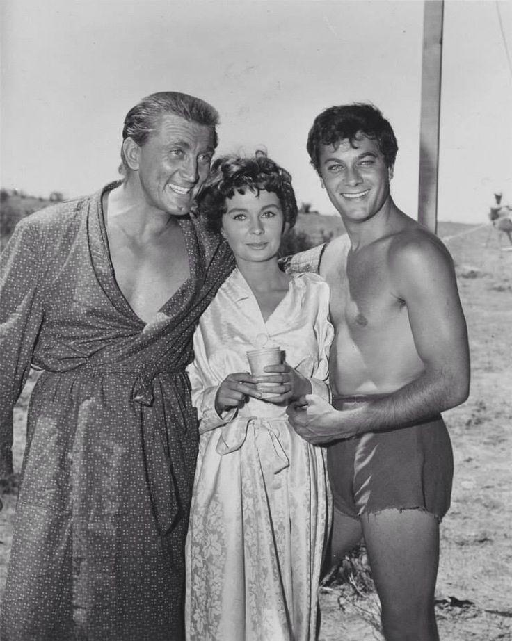 Photo: Kirk Douglas, Jean Simmons, & Tony Curtis filming Spartacus, 1960. pic.twitter.com/oEVeeWJzuA