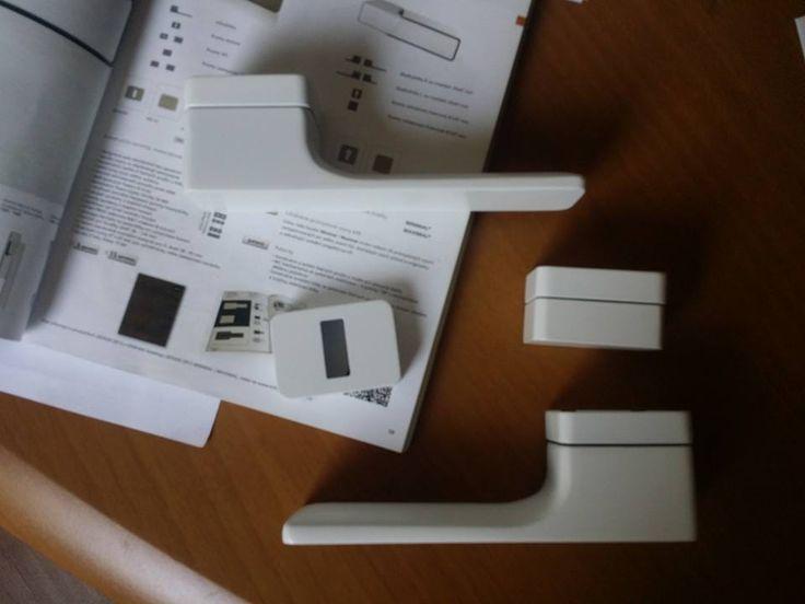 Klamka Minimal biała RAL rozeta na klucz i rozeta wc