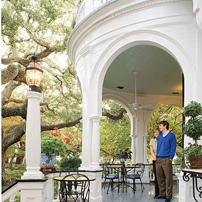 Charleston, SC. The Historic District's cobbled streets feel as hospitable as the drawled accents of the shopkeepers. Craftswomen sell intricate woven sweetgrass baskets at the City Market, and carriages roll past storied restaurants. And, oh, the shopping along King Street!