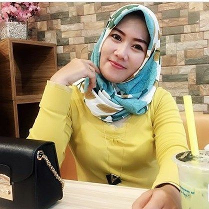 Repost from @dinnabie . __________ #wanitaberhijab #hijabcommunity #instahijab  #hijabhits #selfiehijab #berhijab  #hijabstyle #cewekmanis #hijabdaily #hijabmodis #hijabersindonesia #hijabstreet #hijaberkece #hijabkekinian #hijaberscantik #hijabermodern #cewek  #endors  #wanitaindonesia  #cewekindo  #indohijabers #jilbabindo  #hijabers  #jilboobsaddict #hijabergaul #hijabermanis #ootdhijab