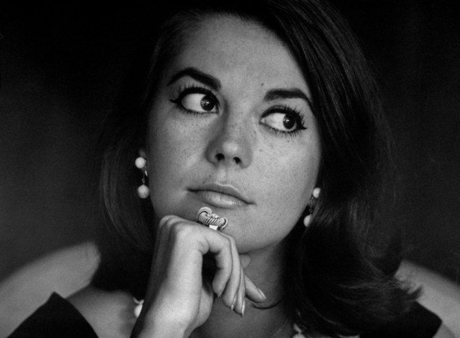 """""""Natalie Wood was one of those rare stars who managed to combine old-school glamor, powerhouse talent and smoldering sex appeal in a single package,"""" as said by LIFE. (photo: Bill Ray)"""