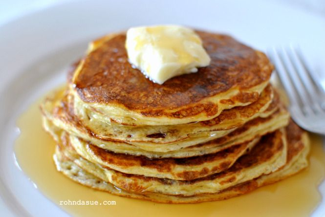 Low Carb Pancakes (S) -- uses eggs and coconut flour