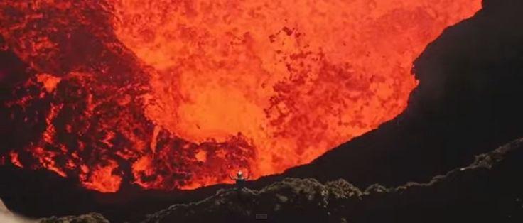 Estas são imagens inéditas do interior de um vulcão ativo. Dois exploradores desceram pela primeira vez ao interior da cratera Marum e gravaram de perto o comportamento impressionante de um dos fenómenos naturais mais mortais do planeta.