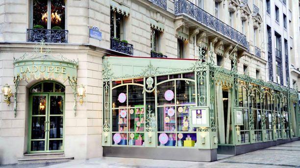 Ladurée Champs-Elysées vue de l'extérieur