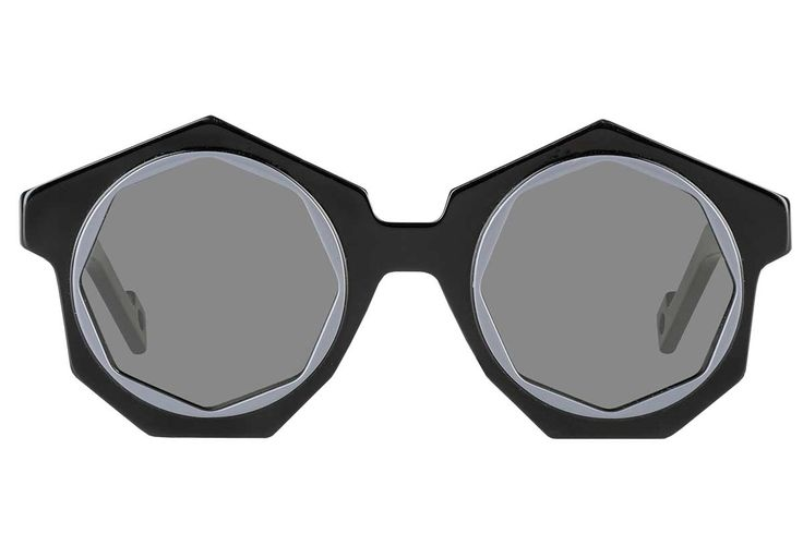 PAWAKA : DON'T MISS THESE RETRO-MODERN STYLE EYEWEAR! Pawaka is a new conceptual eyewear brand created by the ingenious Fahrani Empel. Among the past, present and future Pawaka is synonymous of creativity and innovation. Find out more on http://ob-fashion.com/pawaka/?lang=en   #emergingdesigner #emergingtalents #fashion #trends #ootd #wiwt  #اتجاهات #тенденции #トレンド #ファッション #мода #موضة #women  #ювелирные #مجوهرات #ジュエリ #madeinitaly #sunglasses#eyewear #obfashion #pawaka #occhialidasole…