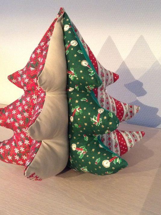 diy anleitung patchwork deko weihnachtsbaum n hen via navidad dekoration und erf llt. Black Bedroom Furniture Sets. Home Design Ideas