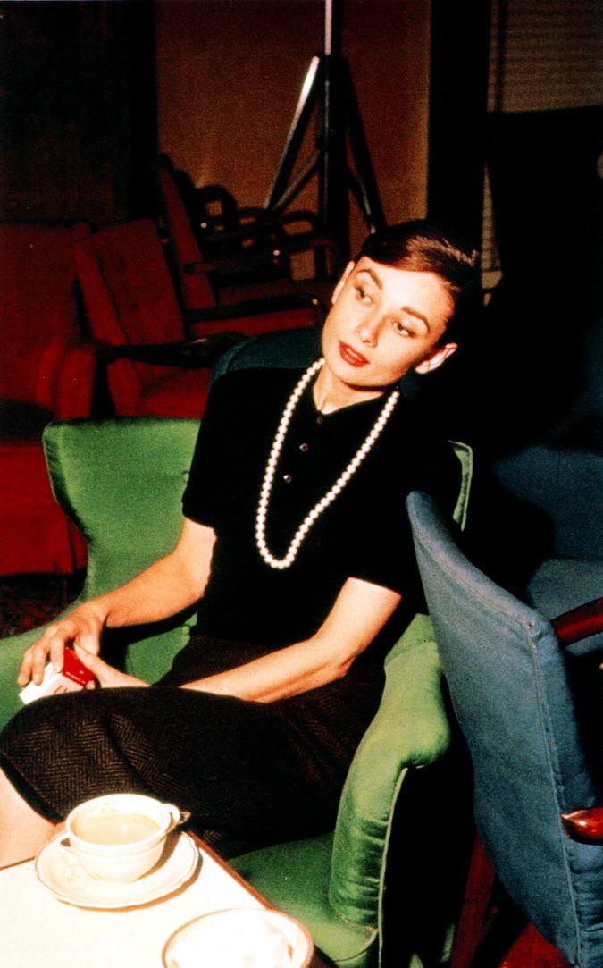 Audrey Hepburn, 1958 en sillón verde