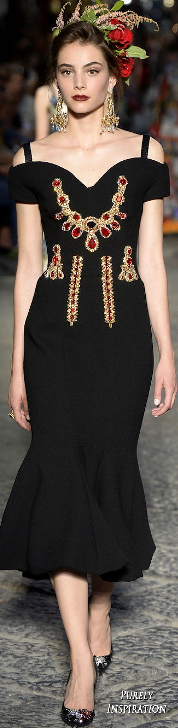 Dolce & Gabbana Fall 2016 Alta Moda Collection Women's Fashion | Purely Inspiration