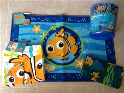 Genial FINDING NEMO 11 Pc + Set SHOWER CURTAIN TOWELS RUG WASTEBASKET SOAP LOTION  RARE
