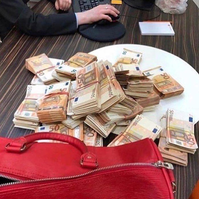 Pin By Nuru Angie On Lux Money Best Way To Invest Rich Kids Of