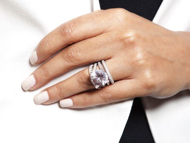 evelyn lozadas ring courtesy of chad ochocinco girls