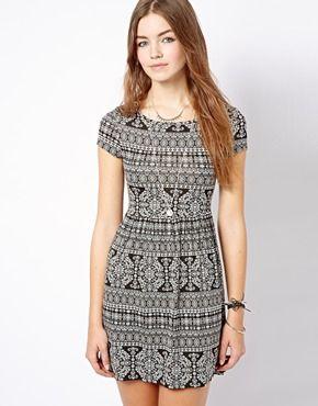 New Look Paisley Print T-Shirt Dress | US.ASOS.com