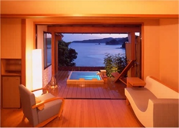 Shimoda Yamatokan. Our room when we went there was just like this one! Amazing view